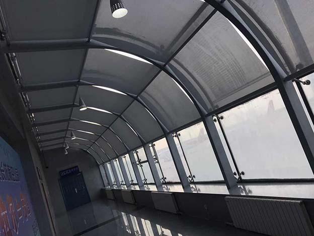 海拉尔机场fss新万博i客户端帘